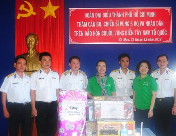 Đoàn công tác TPHCM kết thúc chuyến thăm cán bộ, chiến sĩ và nhân dân các đảo Tây Nam ảnh 1