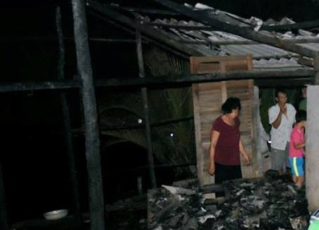 Cà Mau: Bé gái mắc bệnh bại não tử vong khi nhà bị cháy ảnh 1