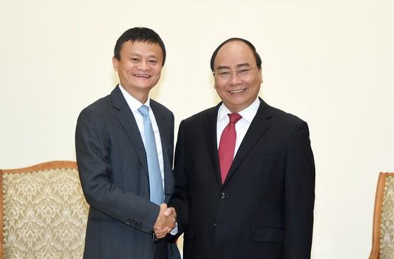 Tỷ phú Jack Ma nói chuyện khởi nghiệp với sinh viên Việt Nam ảnh 1