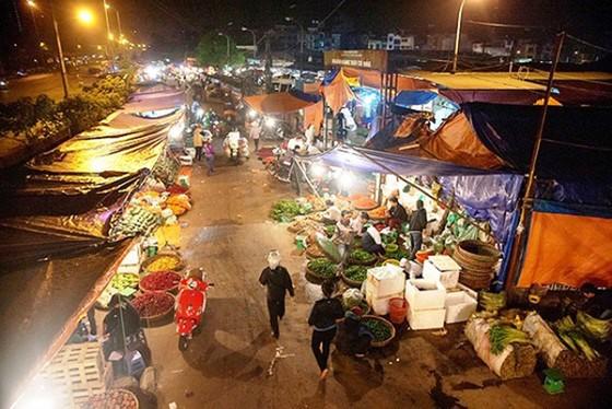 Thủ tướng Chính phủ yêu cầu xử lý nghiêm vụ việc chợ Long Biên ảnh 1