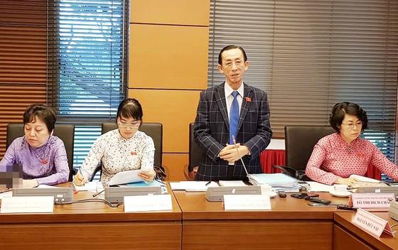 ĐBQH đề nghị sớm hình thành 2 trung tâm tài chính tại Hà Nội và TPHCM ảnh 2