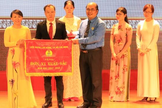 Đại học Quốc tế Hồng Bàng nhận bằng khen trong đổi mới, sáng tạo ảnh 1