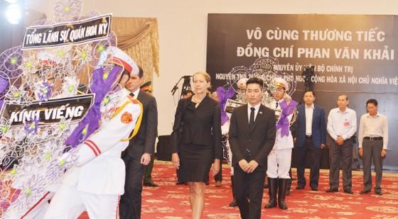 Nhiều đoàn ngoại giao đến viếng nguyên Thủ tướng Phan Văn Khải ảnh 3