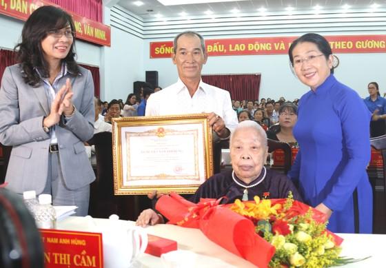 44 mẹ được phong tặng, truy tặng mẹ Việt Nam Anh hùng ảnh 1