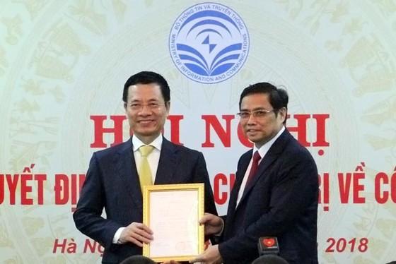 Thiếu tướng Nguyễn Mạnh Hùng chính thức đảm nhiệm quyền Bộ trưởng, Bí thư Ban cán sự đảng Bộ TT-TT ảnh 1