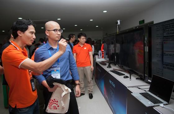 Lãnh đạo FPT, Viettel, VNPT thảo luận với 100 trí thức trẻ người Việt về chiến lược quốc gia 4.0 ảnh 3