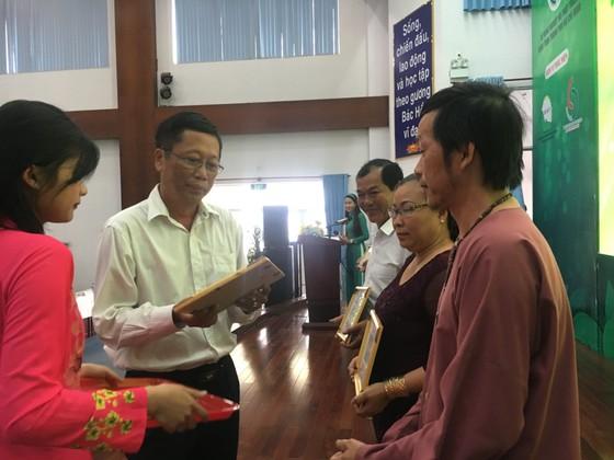 Nghệ sĩ Hoài Linh đoạt giải nhất cuộc thi cây Bonsai ảnh 3