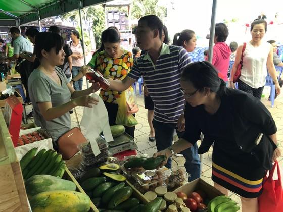 TPHCM có thêm 3 chợ phiên nông sản ảnh 1