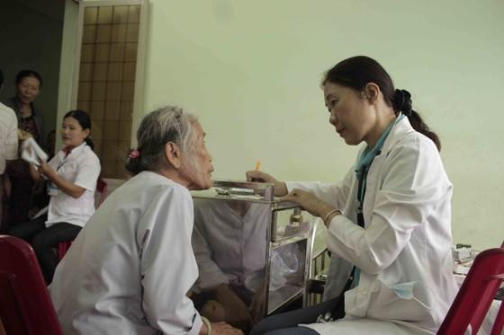 Khám sức khỏe miễn phí hơn 600 người dân vùng Sơn Mỹ ảnh 2