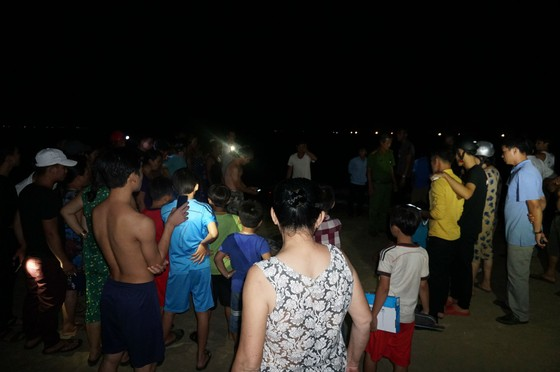 Tắm biển, 3 học sinh bị đuối nước tử vong ảnh 1