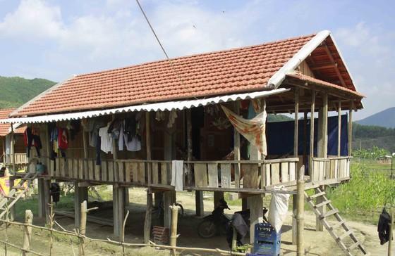 Quảng Ngãi: Dân vùng sạt lở vẫn chưa an cư ảnh 2