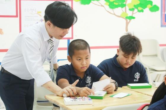 """Hệ thống giáo dục NHG lan tỏa sống đẹp với bộ flashcard """"52 tuần sống đẹp""""  ảnh 1"""