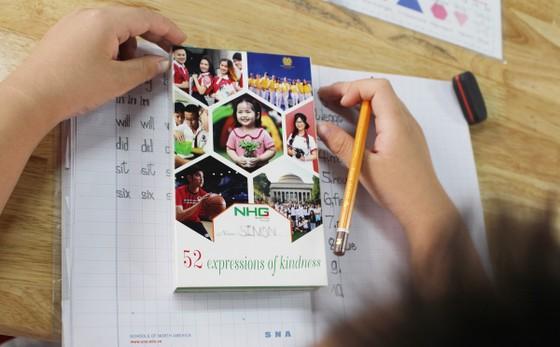 """Hệ thống giáo dục NHG lan tỏa sống đẹp với bộ flashcard """"52 tuần sống đẹp""""  ảnh 7"""