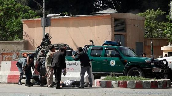 9 nhà báo thiệt mạng trong 2 vụ đánh bom liên tiếp ở Afghanistan  ảnh 2