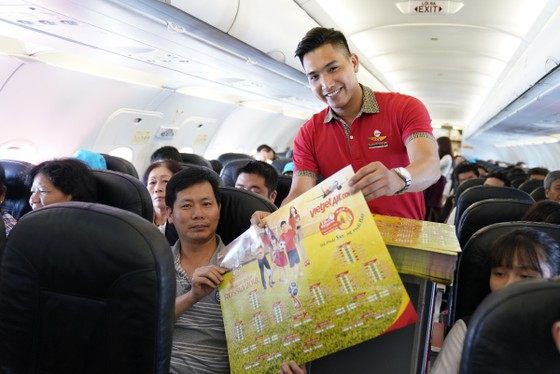 Hành khách hào hứng với lịch thi đấu World Cup 2018 của Vietjet ảnh 2