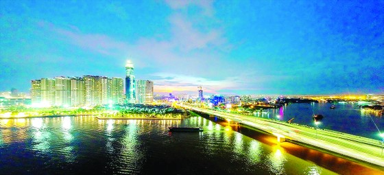 Ngắm thành phố lung linh từ trên cao ảnh 3