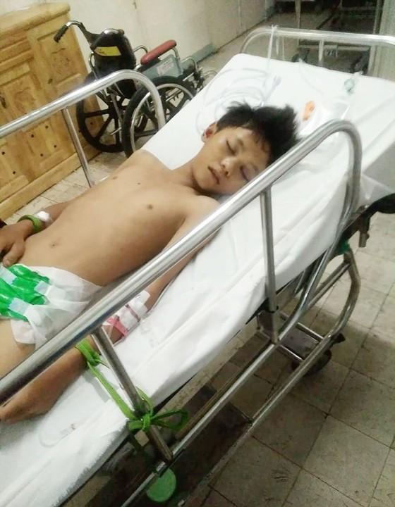 Con trai chấn thương sọ não, gia đình bế tắc ảnh 1