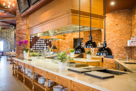 Mercure Danang French Village Bana Hills được vinh danh trong Top khách sạn 4 sao hàng đầu Việt Nam ảnh 2