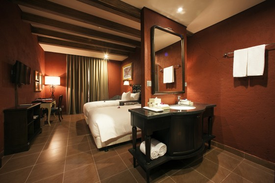 Mercure Danang French Village Bana Hills được vinh danh trong Top khách sạn 4 sao hàng đầu Việt Nam ảnh 3