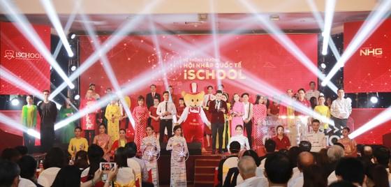 iSchool - 10 năm khẳng định một thương hiệu giáo dục định hướng quốc tế ảnh 2