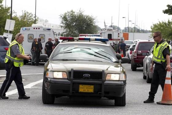 Phụ nữ 26 tuổi xả súng giết 3 đồng nghiệp tại kho hàng ở Mỹ ảnh 1