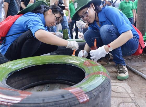 TPHCM phát động toàn dân không xả rác ra đường và kênh rạch ảnh 6