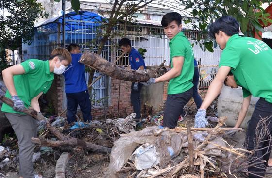 TPHCM phát động toàn dân không xả rác ra đường và kênh rạch ảnh 4