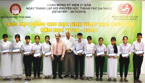 SCB Sông Hàn trao 150 suất học bổng cho học sinh nghèo    ảnh 1