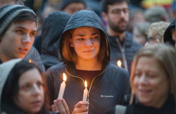 11 người chết trong vụ xả súng ở giáo đường Do Thái tại Mỹ ảnh 4
