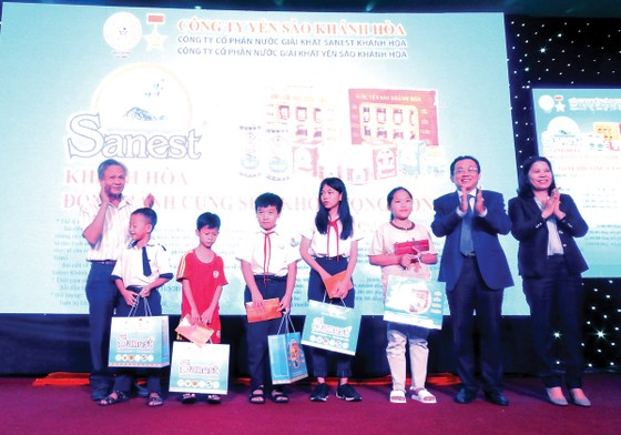 Trao thưởng khách hàng trúng giải Sanest Khánh Hòa - Niềm tự hào thương hiệu Việt Nam tại Phú Yên ảnh 2