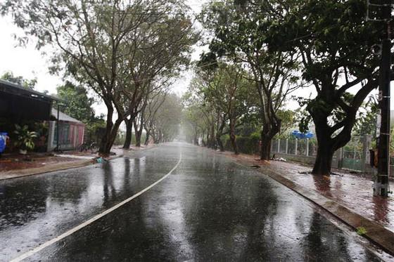 Cần Giờ mưa to, gió giật mạnh, phà Bình Khánh phải hoạt động để cấp cứu bệnh nhân ảnh 3
