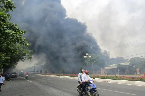 Cháy lớn tại TP Vũng Tàu, nhiều căn nhà bị trùm trong khói lửa ảnh 1