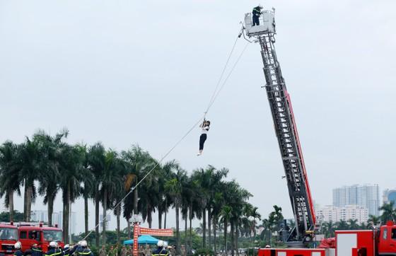 Hàng trăm chiến sĩ PCCC tham gia hội thi nghiệp vụ cứu hộ, cứu nạn   ảnh 7
