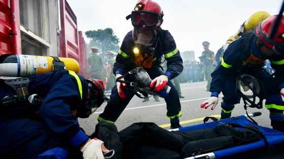 Hàng trăm chiến sĩ PCCC tham gia hội thi nghiệp vụ cứu hộ, cứu nạn   ảnh 6