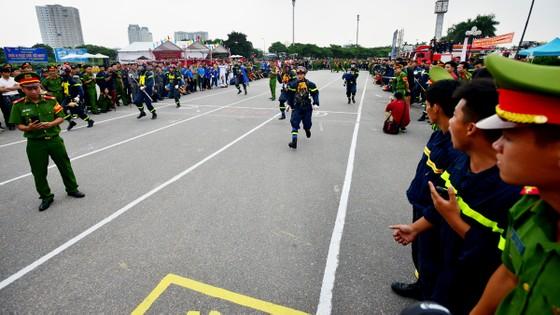 Hàng trăm chiến sĩ PCCC tham gia hội thi nghiệp vụ cứu hộ, cứu nạn   ảnh 3