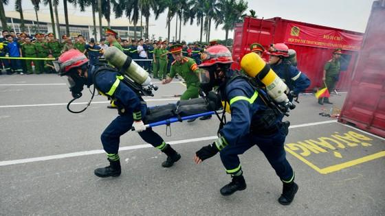 Hàng trăm chiến sĩ PCCC tham gia hội thi nghiệp vụ cứu hộ, cứu nạn   ảnh 4