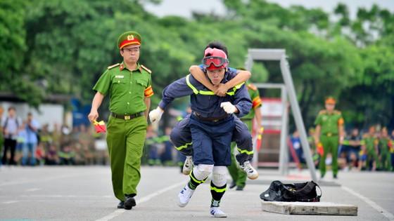Hàng trăm chiến sĩ PCCC tham gia hội thi nghiệp vụ cứu hộ, cứu nạn   ảnh 8