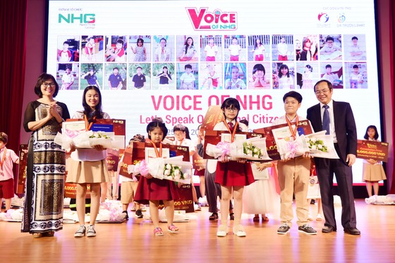 """Chung kết cuộc thi hùng biện tiếng Anh """"Voice Of Nguyen Hoang - VNH"""" lần 1  ảnh 3"""