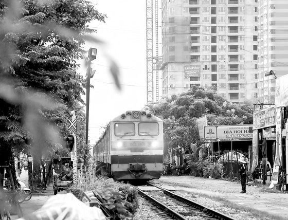 Để đường sắt vượt qua khủng hoảng: Bài 2 - Ba bên cùng… buông lỏng  ảnh 1