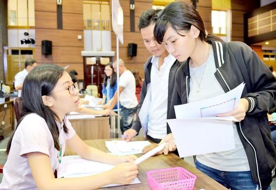 Điều chỉnh nguyện vọng xét tuyển đại học: Thí sinh cần thận trọng ảnh 1