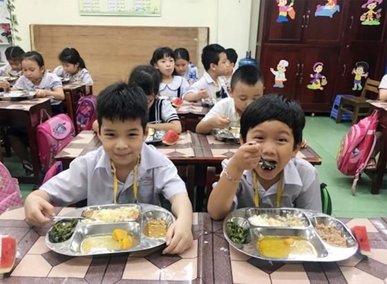 Chuẩn hóa thực đơn bữa trưa cho học sinh bán trú ở Đồng Nai ảnh 2
