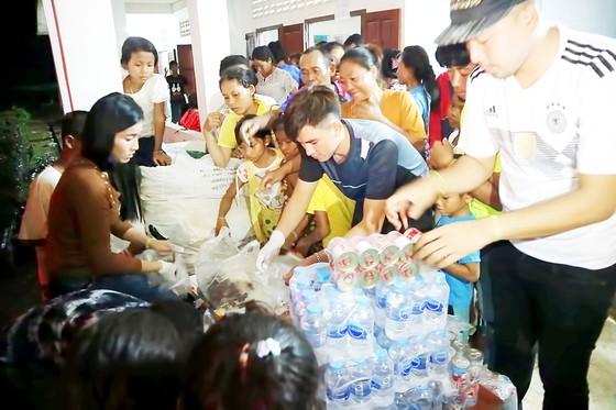 Cứu hộ người bị nạn trong vụ vỡ đập thủy điện tại Lào ảnh 2