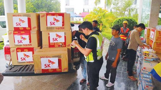 Cứu hộ người bị nạn trong vụ vỡ đập thủy điện tại Lào ảnh 1