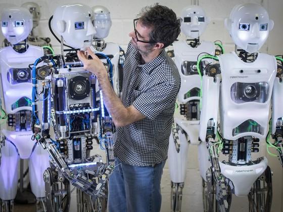 英國科學家製造出超逼真機器人 ảnh 6