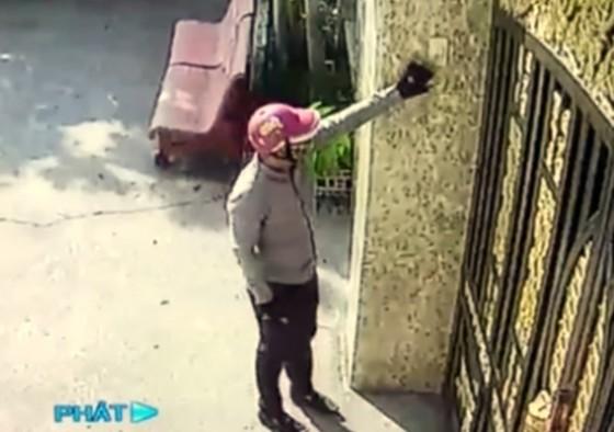 Vượt qua 6 camera, kẻ trộm đột nhập vào nhà lấy đi hơn 8 tỷ đồng ảnh 1