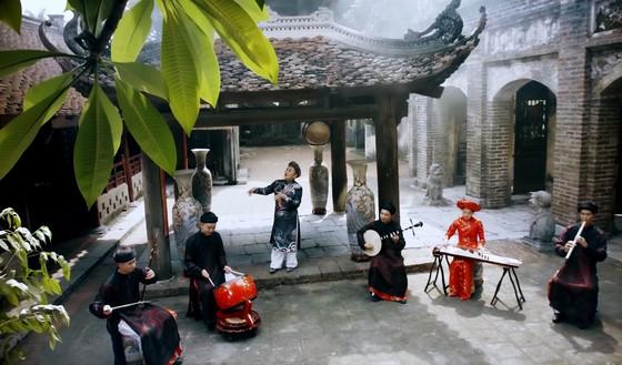 Xuân Hinh ra MV hát văn về ơn nghĩa sinh thành ảnh 2