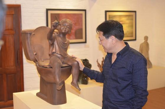NSND Vương Duy Biên tổ chức triển lãm nghệ thuật tại Pháp ảnh 1