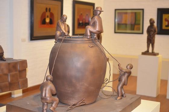 NSND Vương Duy Biên tổ chức triển lãm nghệ thuật tại Pháp ảnh 2