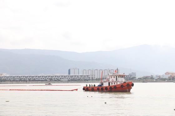 Việt Nam, Hoa Kỳ diễn tập cứu nạn và ứng phó sự cố tràn dầu trên sông ảnh 5