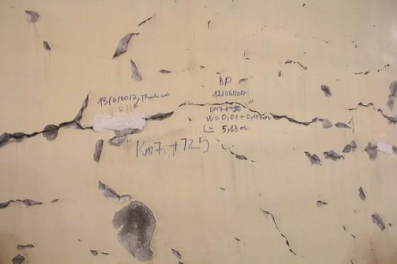 VIDEO: Hầm Hải Vân bị nứt hay bong tróc lớp sơn? ảnh 5